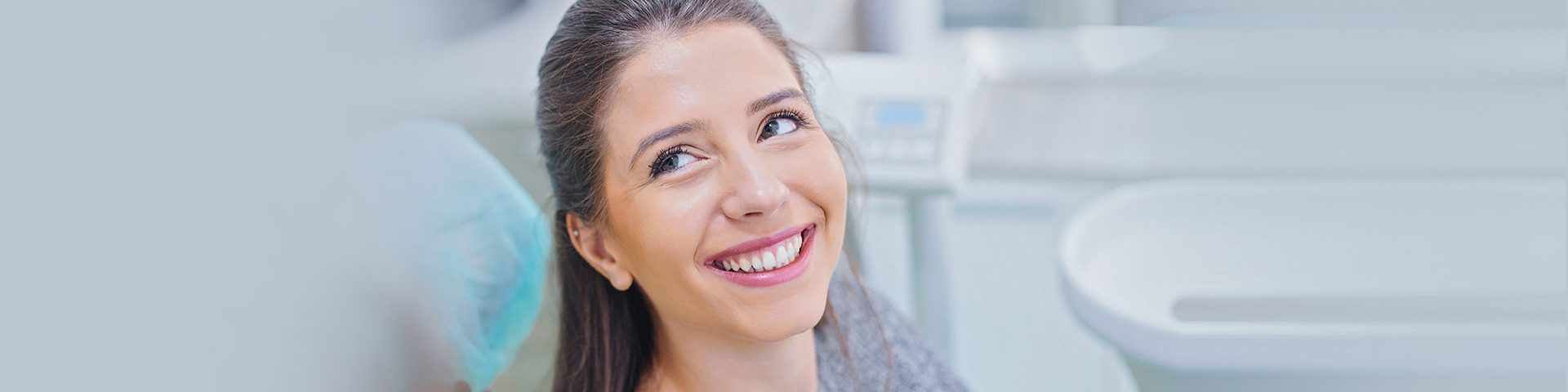 The Benefits and Risks of Teeth Whitening